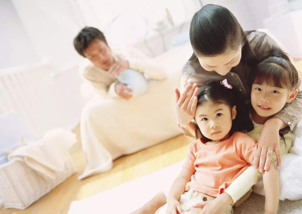 Hậu ly hôn, dù mỗi người đều có gia đình mới nhưng tôi và chồng cũ vẫn sống cùng nhau dưới một mái nhà - Ảnh 2.