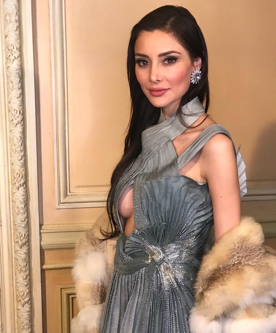 Sau 10 năm làm vợ của tỷ phú xấu xí, giàu khét tiếng Hong Kong, nàng siêu mẫu vẫn sống như bà hoàng trong nhung lụa  - Ảnh 8.