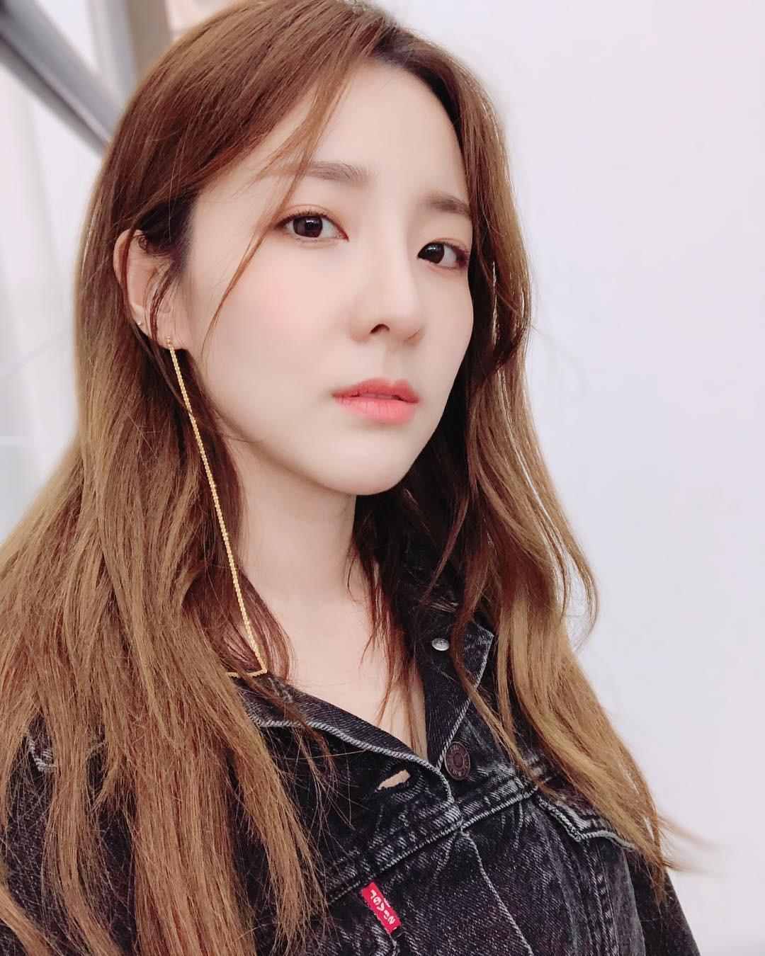 Không ngờ người đẹp không tuổi Dara U40 lại có cách níu giữ tuổi xuân đơn giản đến vậy - Ảnh 3.