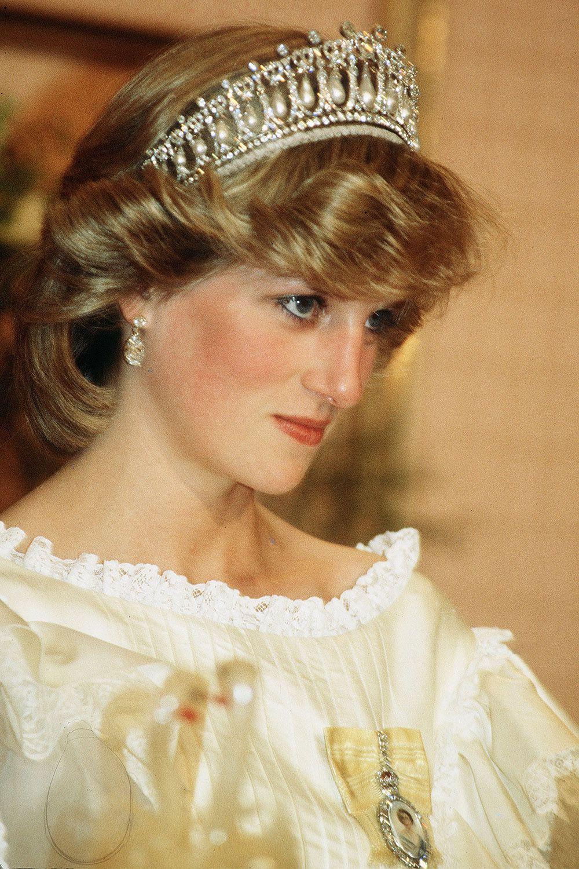 15 kiểu tóc ấn tượng của các người đẹp Hoàng gia: kiểu nào cũng hoàn hảo tựa như một tuyệt phẩm  - Ảnh 7.