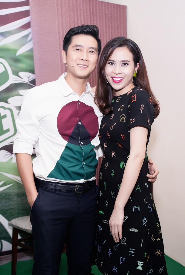 The Voice Kids quay lại, Hồ Hoài Anh - Lưu Hương Giang là cặp đôi đầu tiên ngồi ghế nóng  - Ảnh 3.