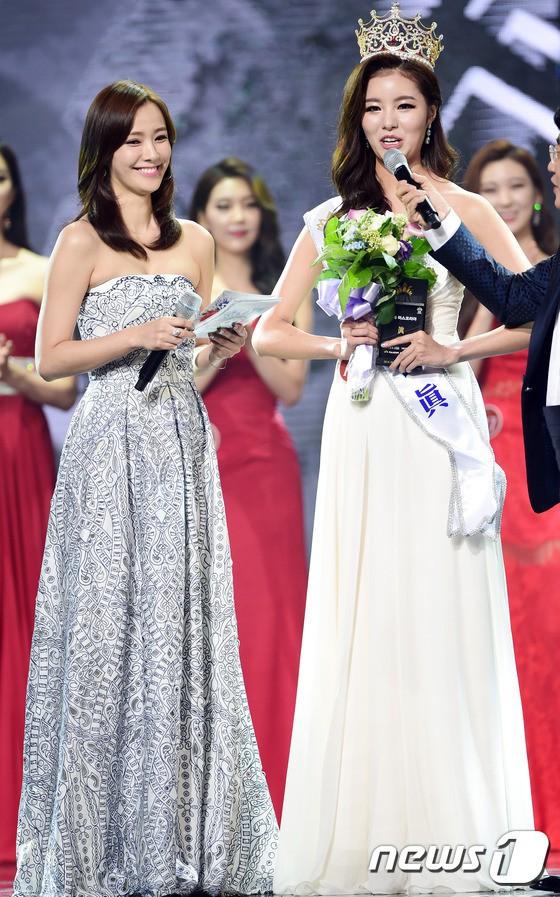 """Trớ trêu các cuộc thi sắc đẹp Hàn Quốc: Hoa hậu bị """"kẻ ngoài cuộc"""" lấn át nhan sắc ngay trong đêm đăng quang! - Ảnh 18."""