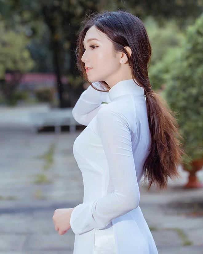 Thế hệ mỹ nhân 10x thi Hoa hậu Việt Nam 2018: Toàn nữ sinh vừa thi tốt nghiệp, xinh đẹp và sở hữu thành tích ấn tượng - Ảnh 7.