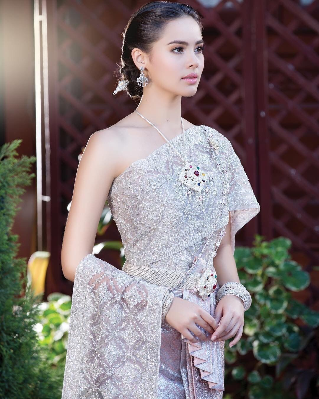Nhan sắc thực đẹp nao lòng của mỹ nhân Thái Lan gây sốt trong Ông anh trời đánh - Ảnh 8.