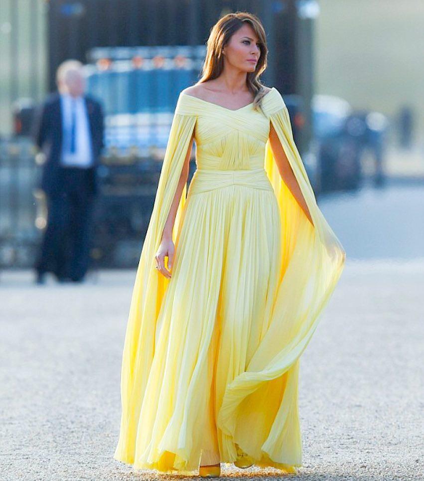 """Bà Melania Trump """"chiếm sóng MXH"""" với chiếc đầm được ví như đầm của Belle trong Người đẹp và quái vật - Ảnh 3."""