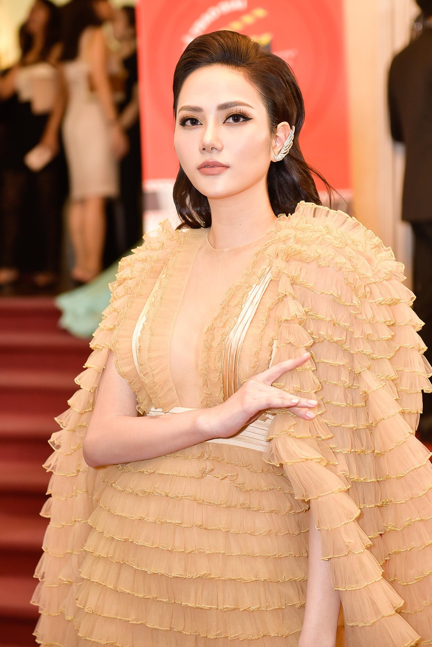 Hứa Vĩ Văn hóa quý ông lịch lãm, Hoa hậu Diệu Linh diện đầm độc nổi bật  - Ảnh 1.