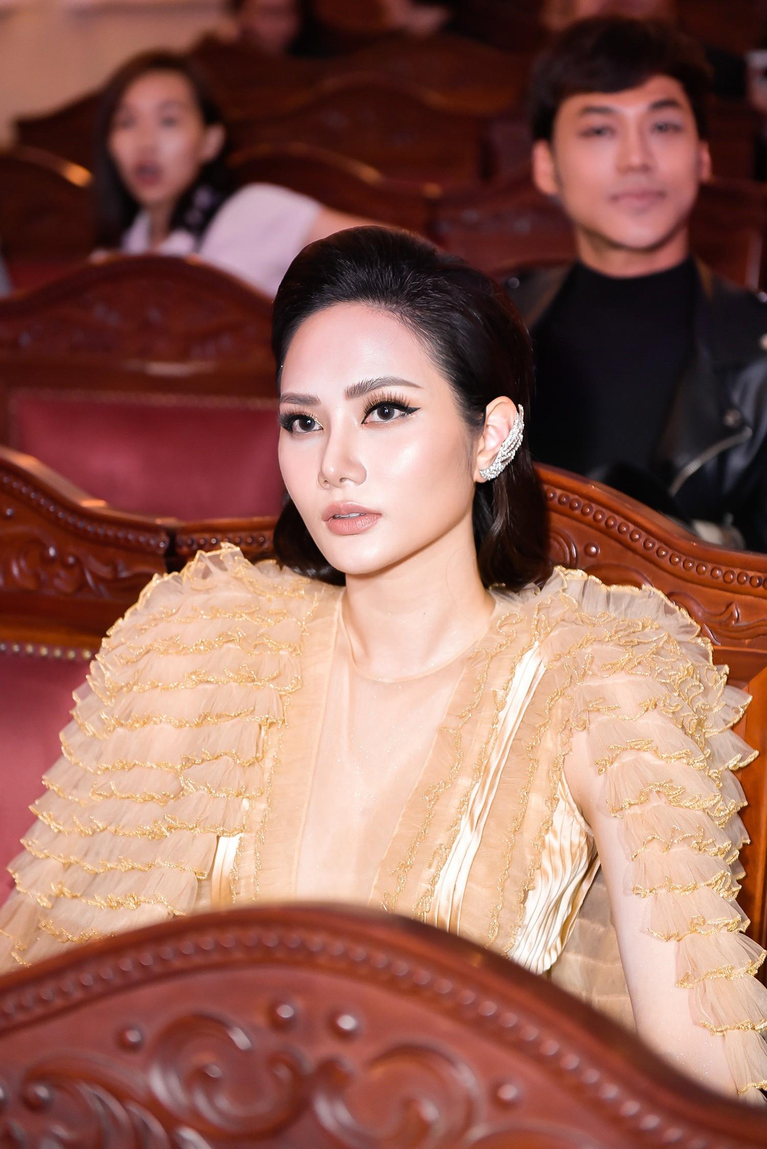 Hứa Vĩ Văn hóa quý ông lịch lãm, Hoa hậu Diệu Linh diện đầm độc nổi bật  - Ảnh 2.