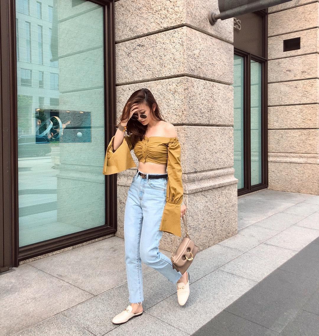 Đừng nghĩ mặc jeans là không điệu được, cứ nhìn các nàng blogger lên đồ cực xinh qua 15 set đồ này sẽ biết ngay - Ảnh 15.