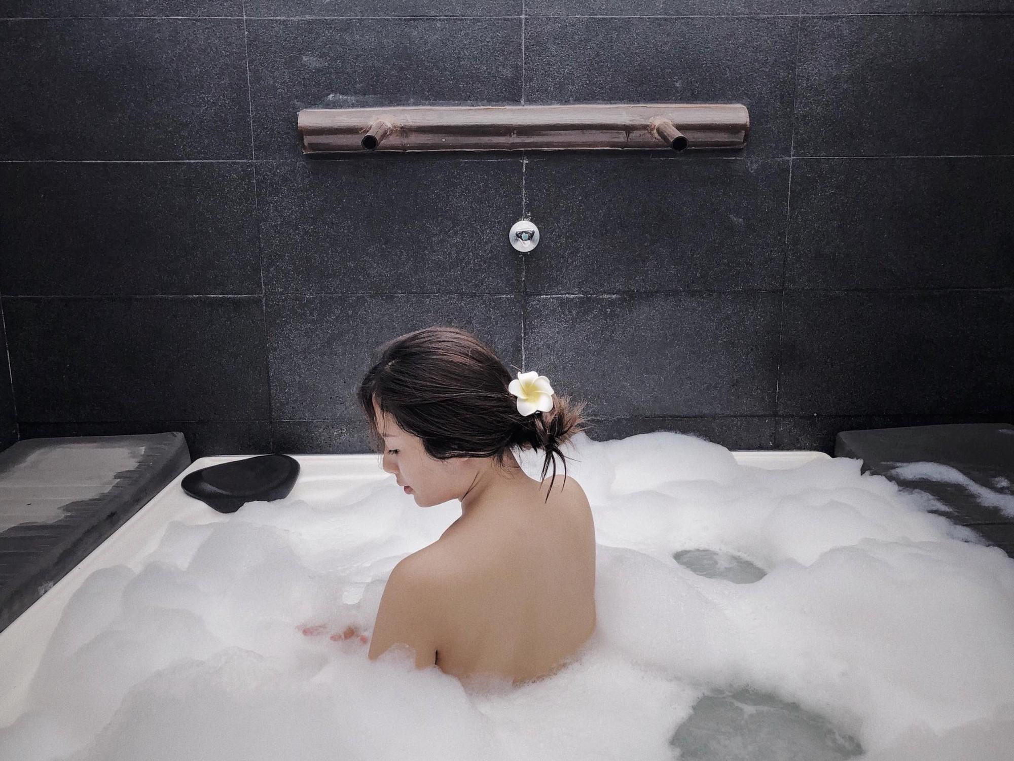 Nàng Hoa hậu người Việt tại Mỹ chia sẻ bí quyết dù con bé tí hin vẫn cùng chồng đi thiên đường tình yêu Maldives lãng mạn - Ảnh 23.