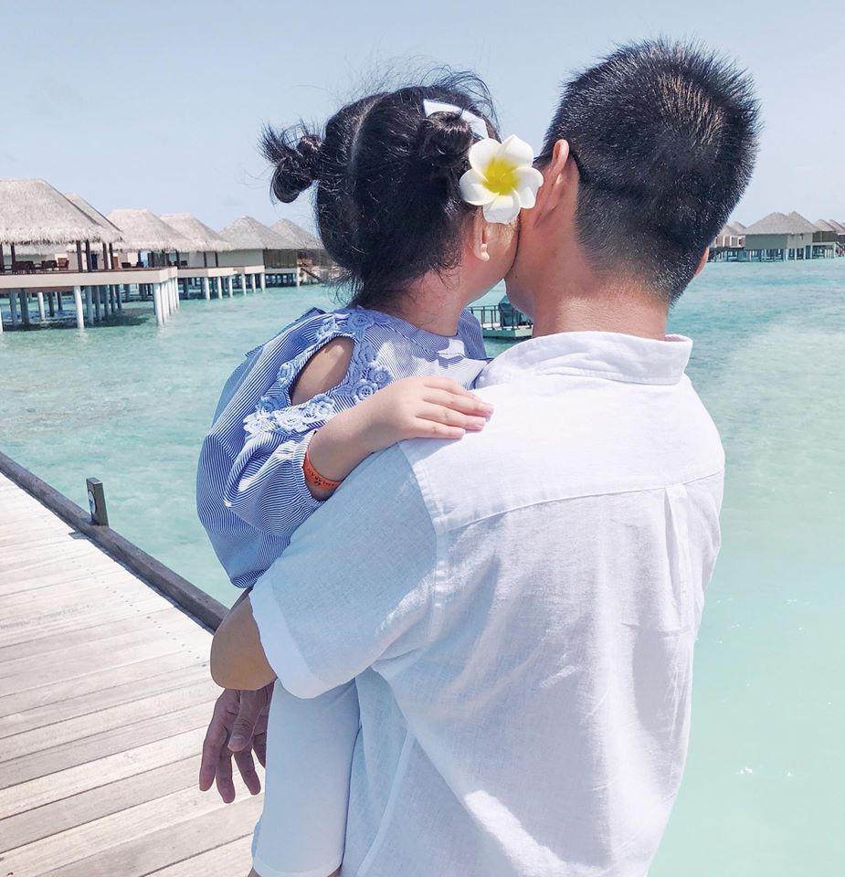 Nàng Hoa hậu người Việt tại Mỹ chia sẻ bí quyết dù con bé tí hin vẫn cùng chồng đi thiên đường tình yêu Maldives lãng mạn - Ảnh 15.