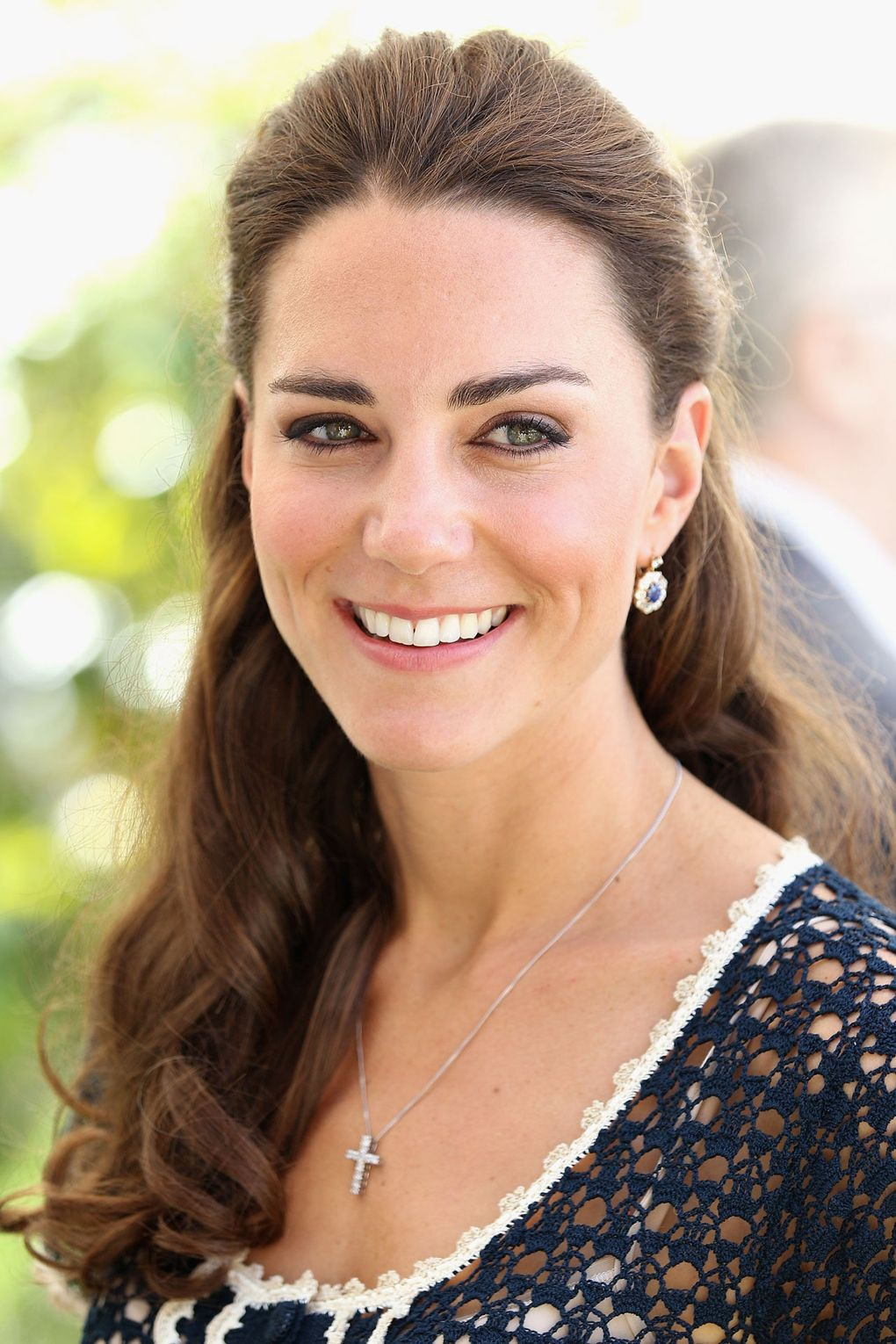 duchess-cambridge-19_v_8jun12_rex_b
