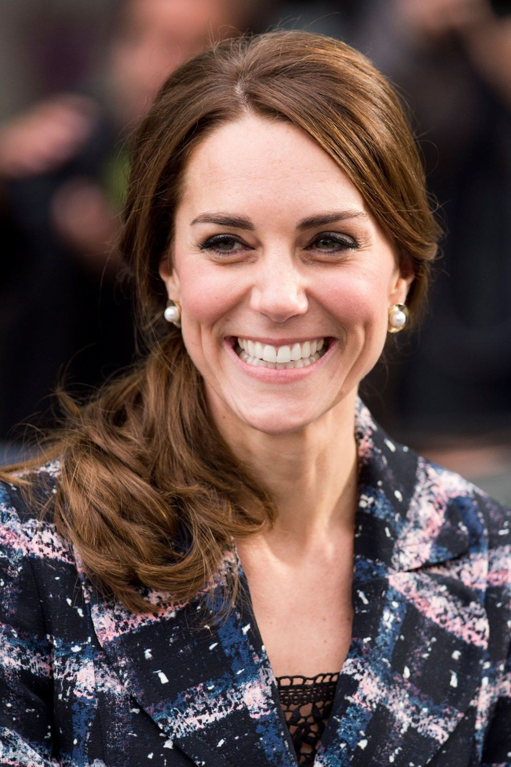 duchess-of-cambridge-3-vogue-14oct16-getty_b