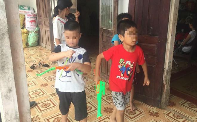 Trao nhầm con ở Ba Vì, Hà Nội: 2 đứa bé đã được đoàn tụ, hồn nhiên chơi đùa vui vẻ cùng nhau - Ảnh 3.