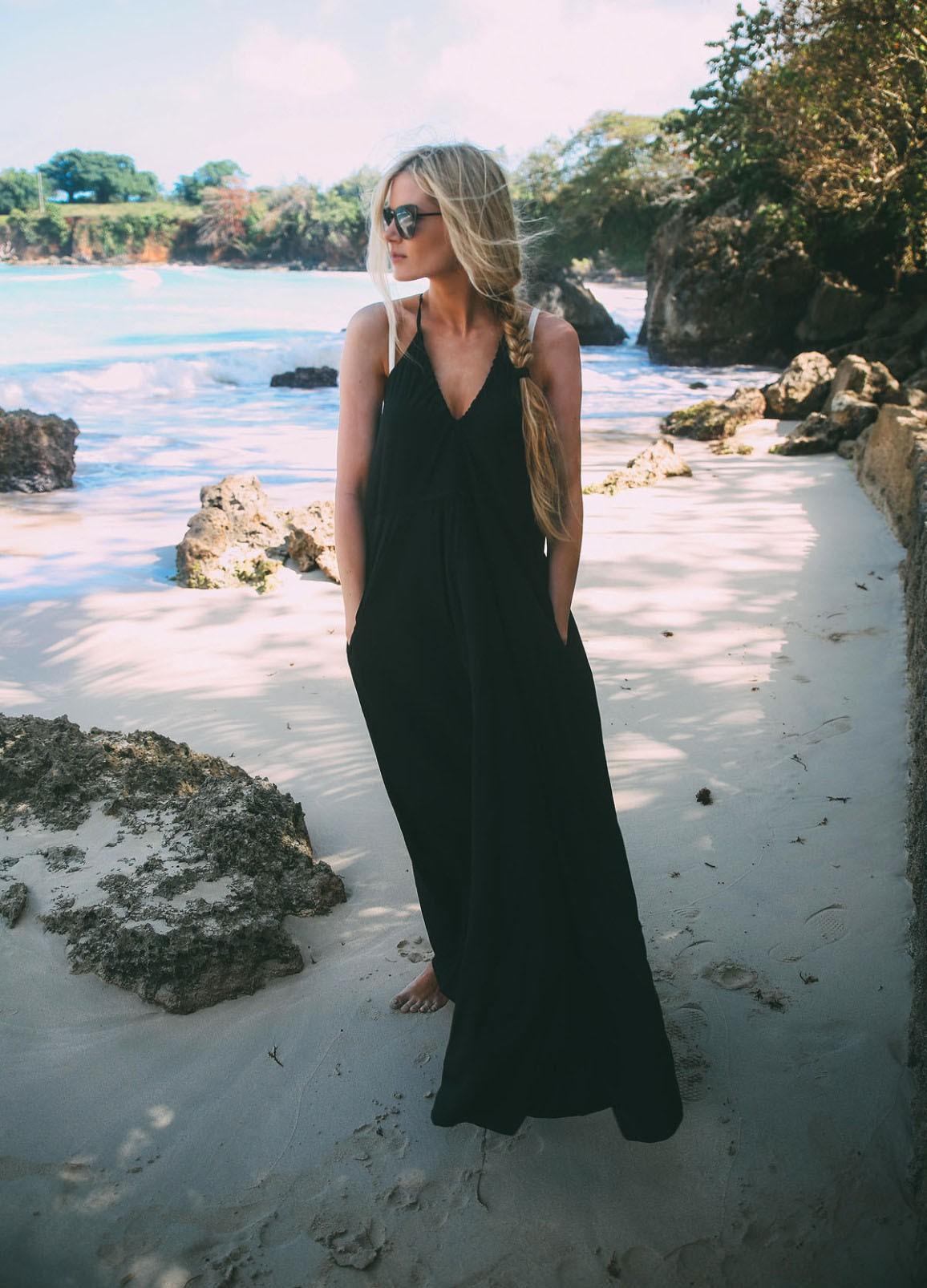 Đâu cứ phải hè là rực rỡ, 6 kiểu váy đen này sẽ giúp chị em quyến rũ hơn bao giờ hết dưới cái nắng chói chang - Ảnh 1.