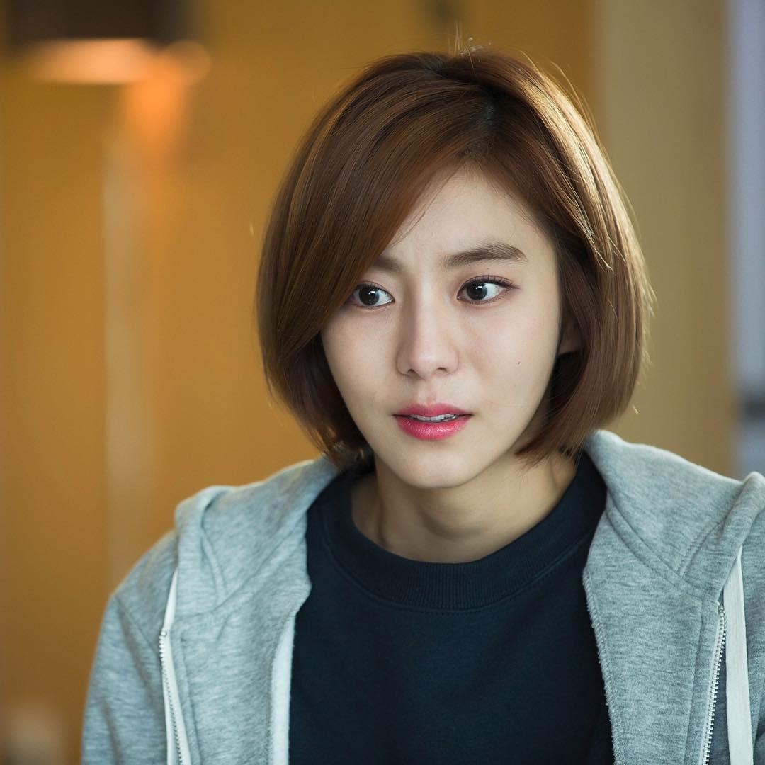 Ngoài nữ hoàng dao kéo Park Min Young, 4 nhan sắc thẩm mỹ này cũng được khen hết lời vì nhìn tự nhiên - Ảnh 3.