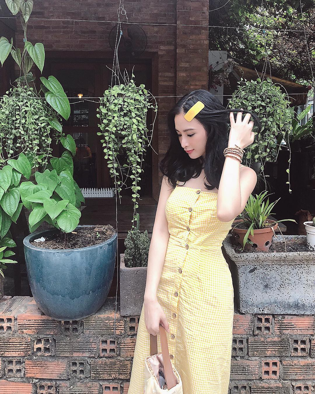 Học theo Kate và Meghan, các người đẹp Việt cũng đang diện váy áo vàng tươi chói lòa - Ảnh 8.