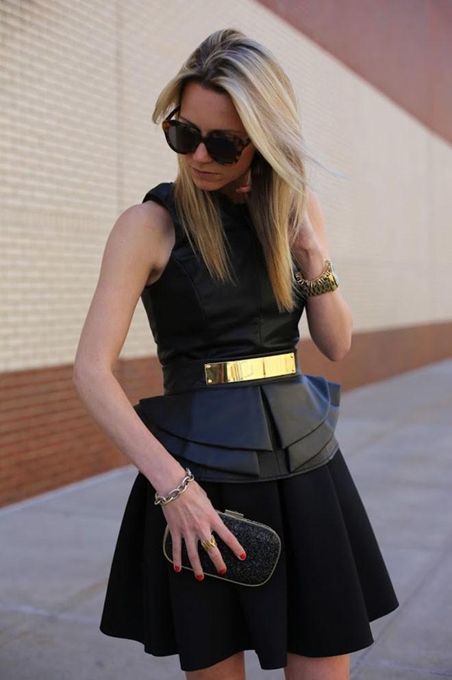 Đâu cứ phải hè là rực rỡ, 6 kiểu váy đen này sẽ giúp chị em quyến rũ hơn bao giờ hết dưới cái nắng chói chang - Ảnh 6.