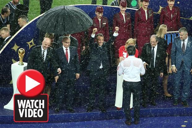 Những khoảnh khắc hài hước không thể nào quên của các vị nguyên thủ quốc gia trong trận Chung kết World Cup 2018 - Ảnh 15.