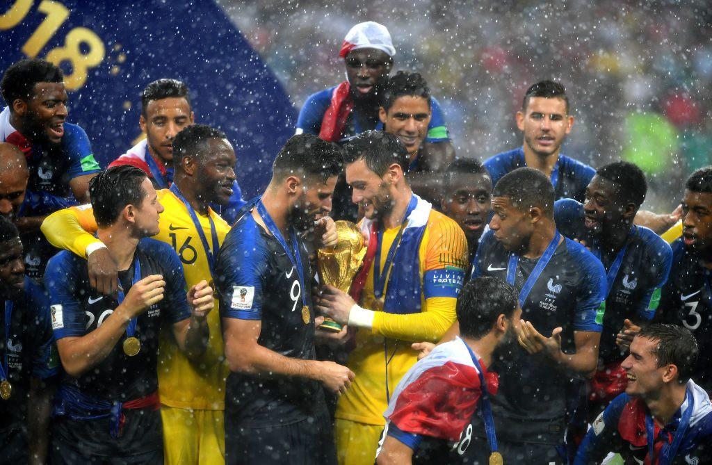 Những khoảnh khắc hài hước không thể nào quên của các vị nguyên thủ quốc gia trong trận Chung kết World Cup 2018 - Ảnh 12.