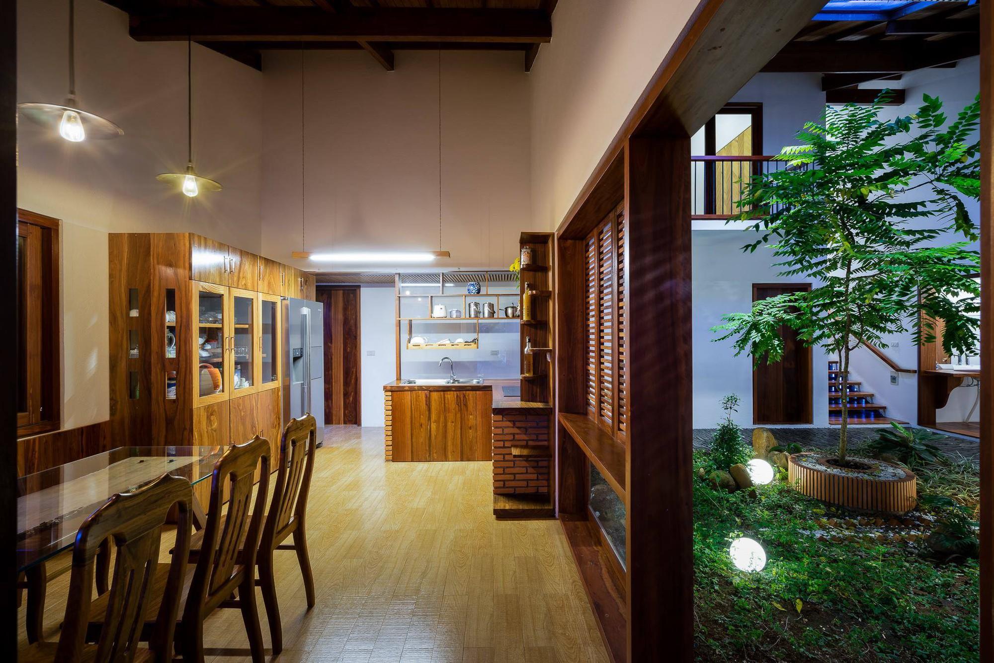 nha-dep-10-15317087448711003821887 Ngôi nhà mái ngói cấp 4 đẹp như resort khiến nhiều người ước mơ ở Lâm Đồng