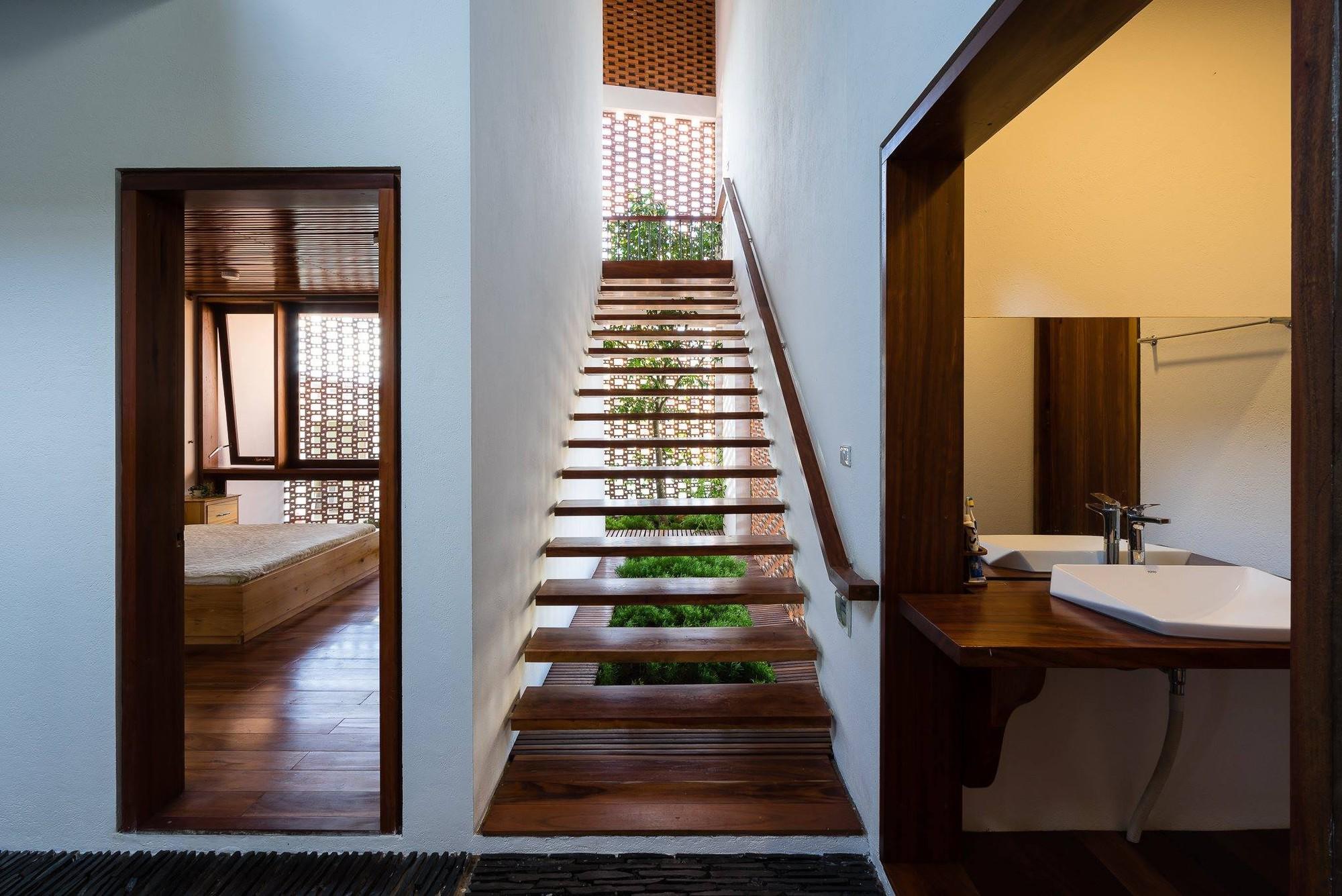 nha-dep-15-15317087448811412358970 Ngôi nhà mái ngói cấp 4 đẹp như resort khiến nhiều người ước mơ ở Lâm Đồng