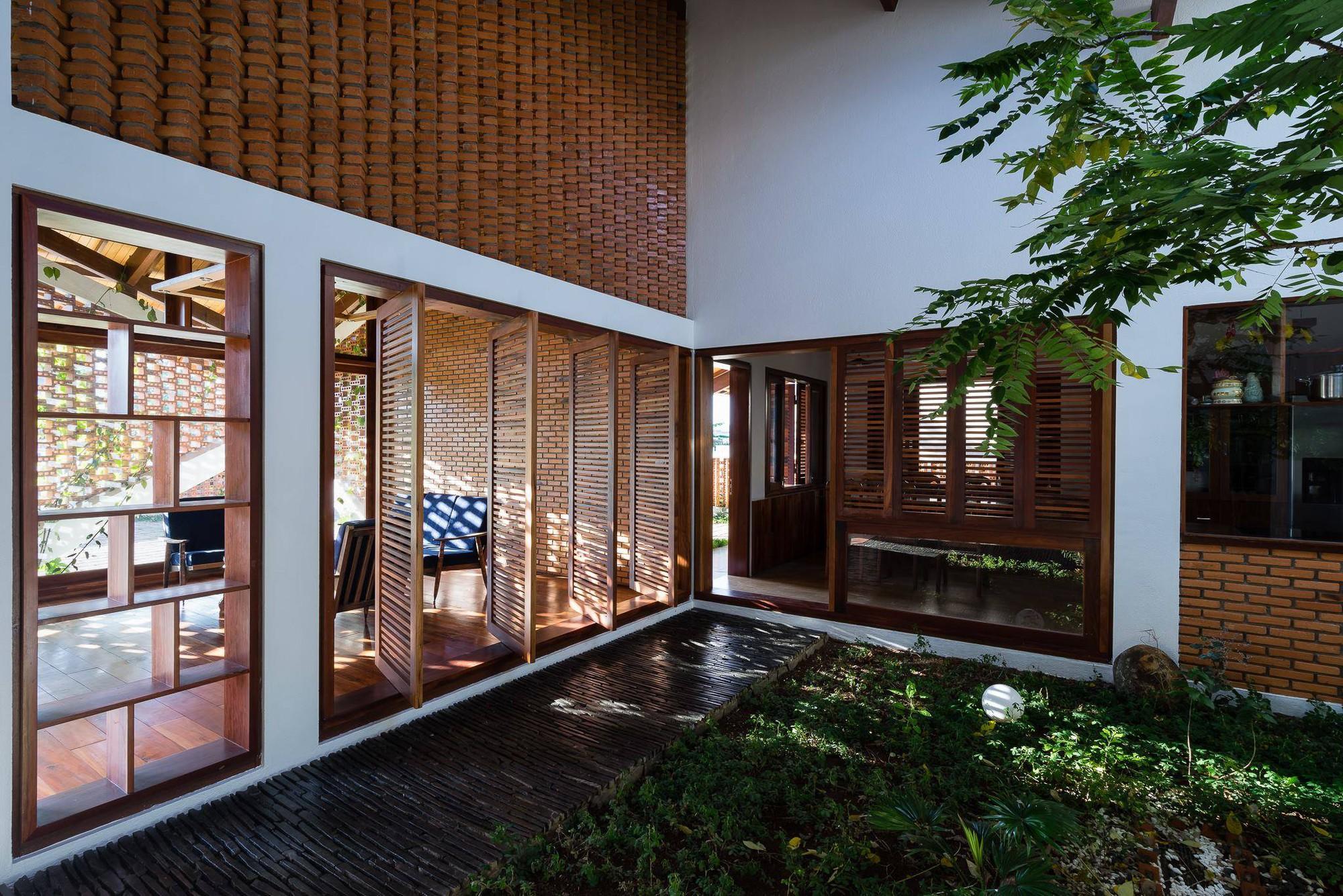 nha-dep-20-1531708744891646531612 Ngôi nhà mái ngói cấp 4 đẹp như resort khiến nhiều người ước mơ ở Lâm Đồng