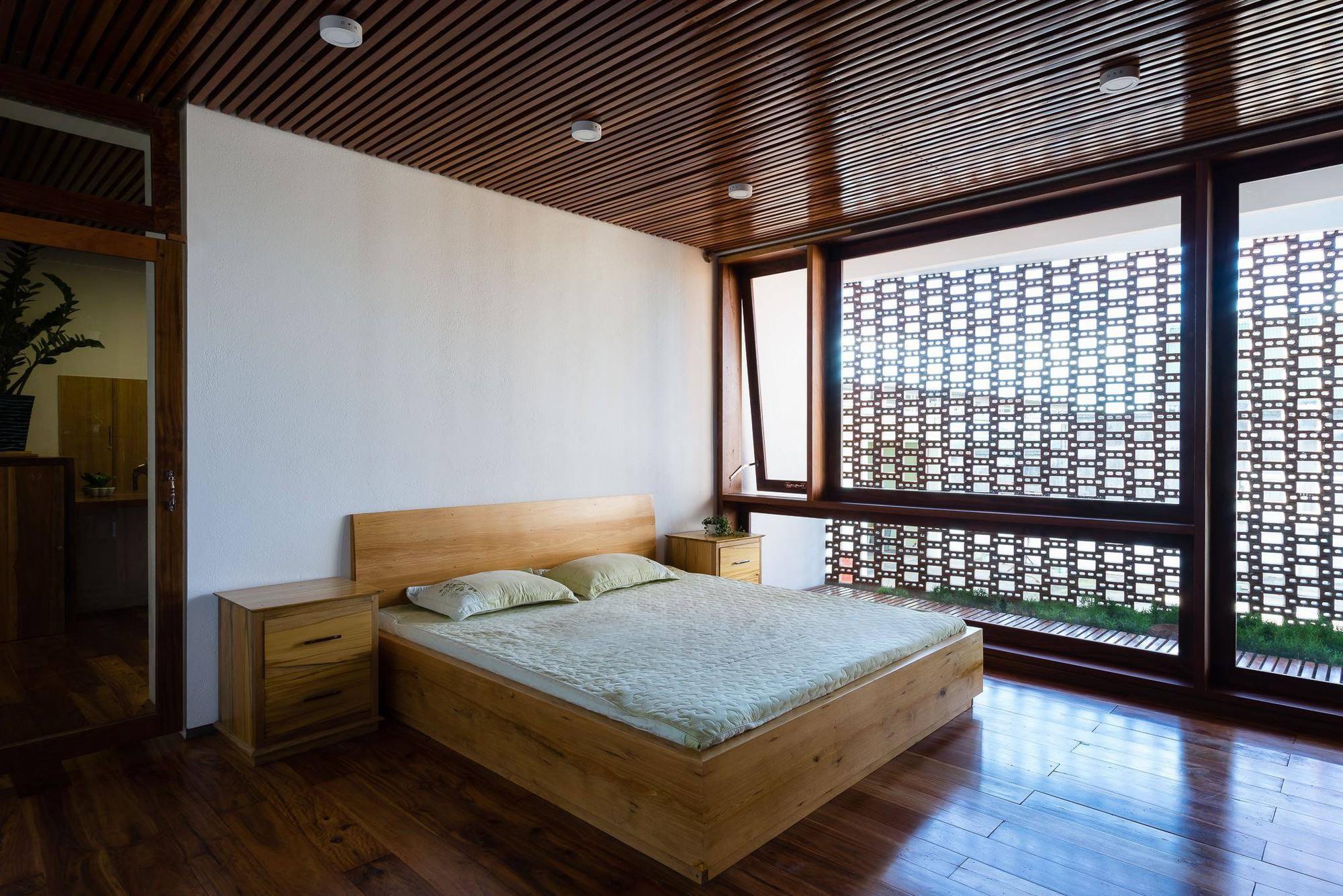 nha-dep-7-1531708744864717440137 Ngôi nhà mái ngói cấp 4 đẹp như resort khiến nhiều người ước mơ ở Lâm Đồng