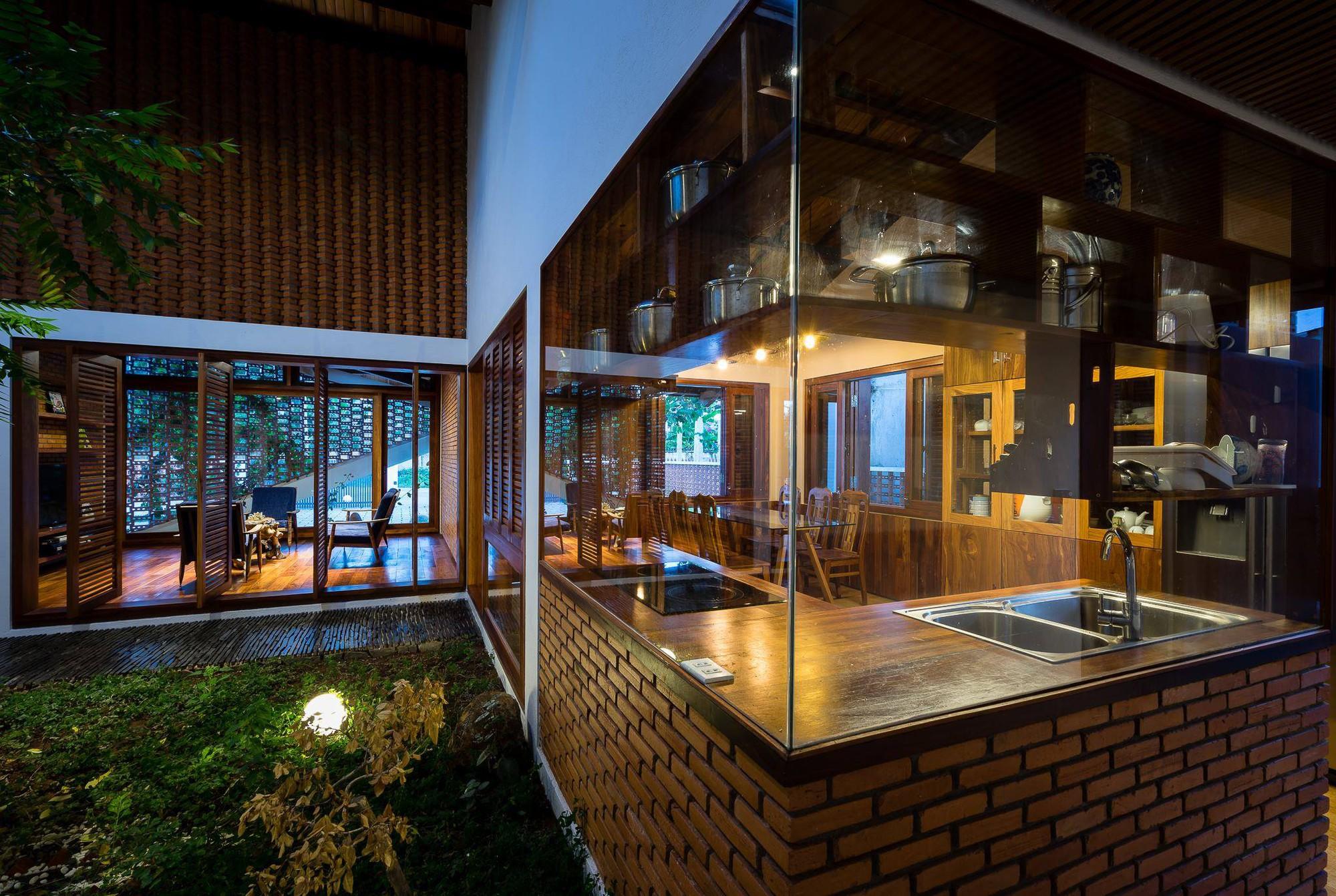 nha-dep-9-15317087448691757788084 Ngôi nhà mái ngói cấp 4 đẹp như resort khiến nhiều người ước mơ ở Lâm Đồng