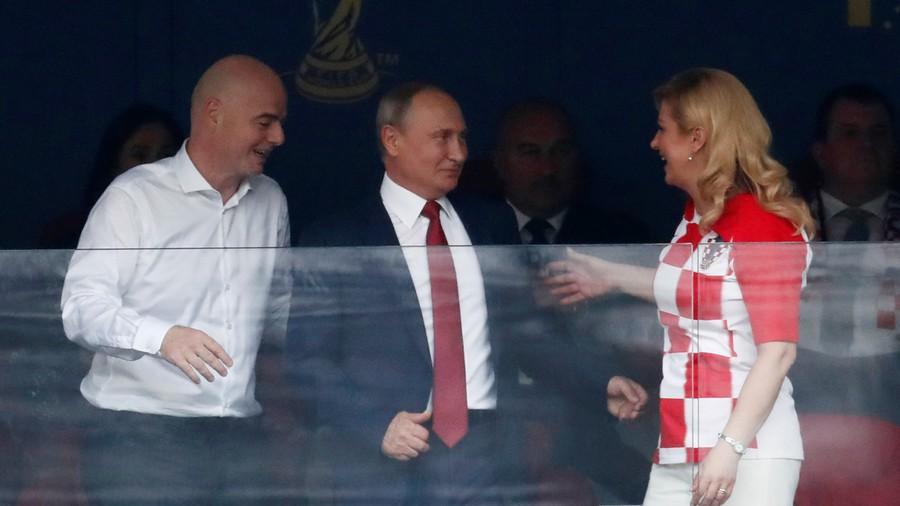 Những khoảnh khắc hài hước không thể nào quên của các vị nguyên thủ quốc gia trong trận Chung kết World Cup 2018 - Ảnh 8.