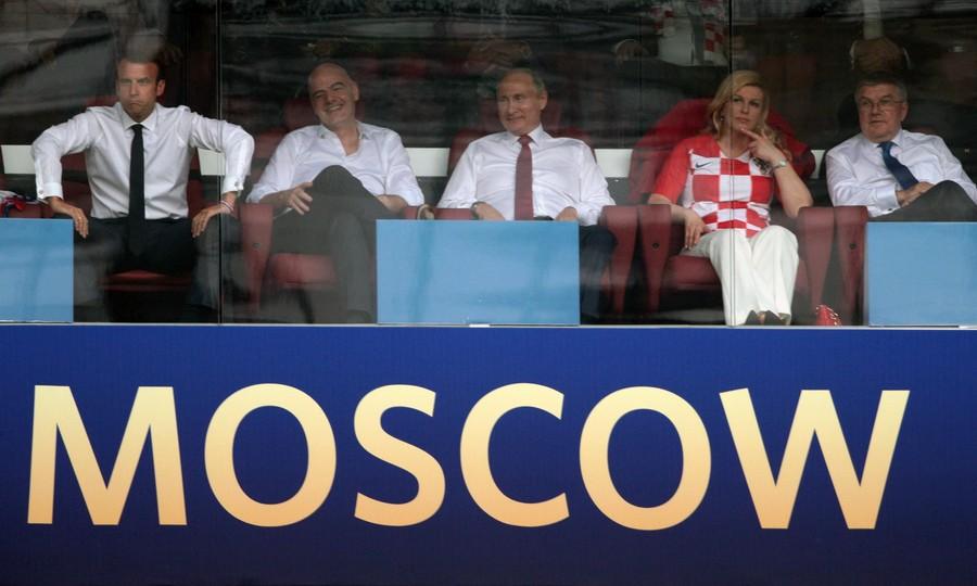 Những khoảnh khắc hài hước không thể nào quên của các vị nguyên thủ quốc gia trong trận Chung kết World Cup 2018 - Ảnh 5.
