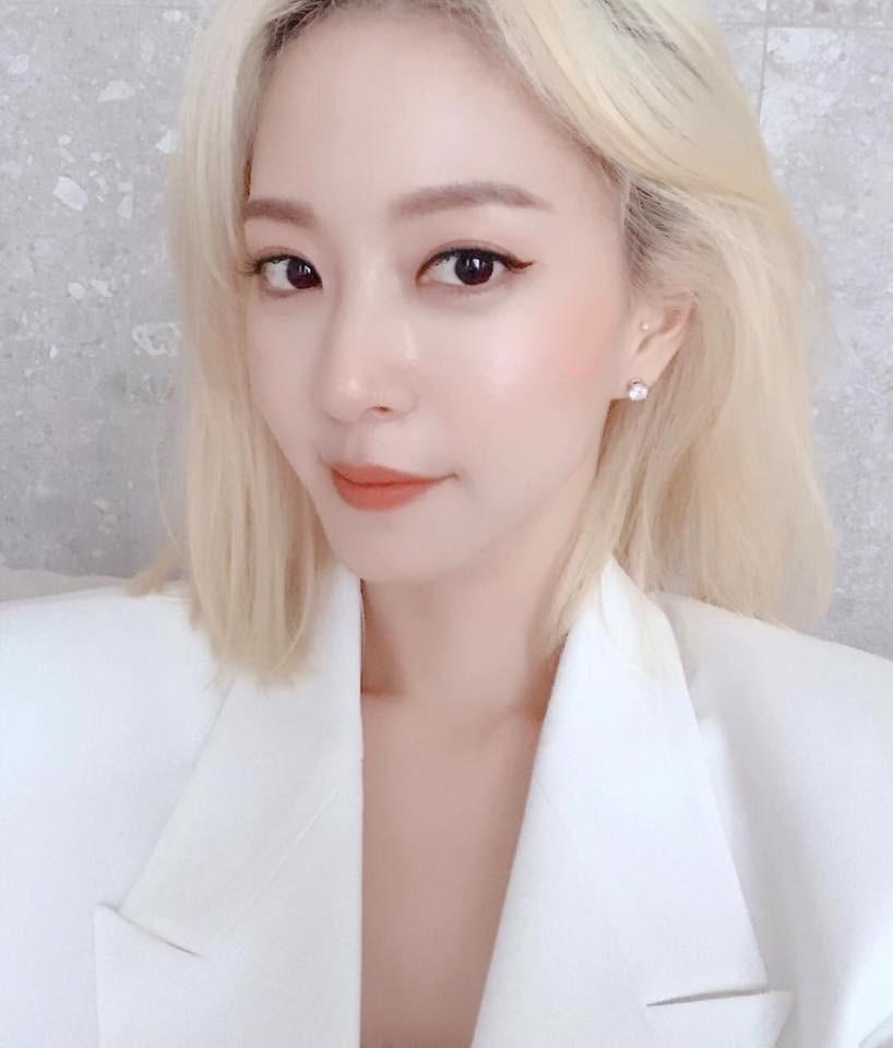 Ngoài nữ hoàng dao kéo Park Min Young, 4 nhan sắc thẩm mỹ này cũng được khen hết lời vì nhìn tự nhiên - Ảnh 13.