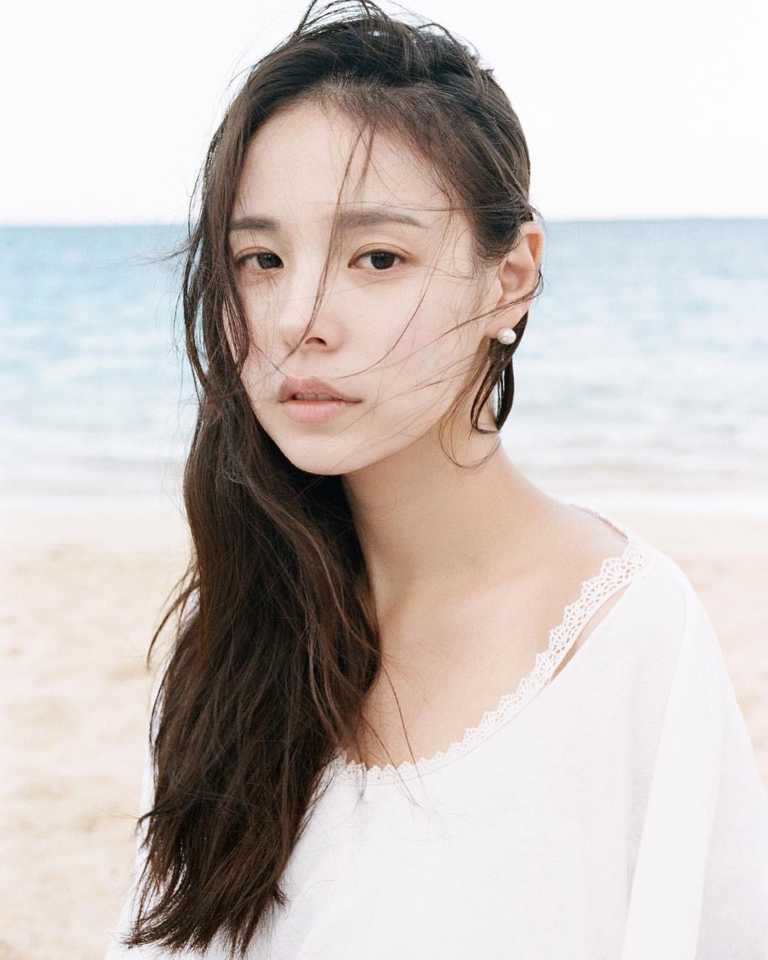 Ngoài nữ hoàng dao kéo Park Min Young, 4 nhan sắc thẩm mỹ này cũng được khen hết lời vì nhìn tự nhiên - Ảnh 9.