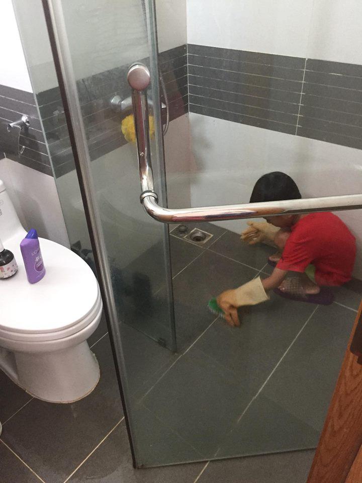 Mẹ giả bộ mệt để dụ 2 con làm việc nhà từ bé tí, kết quả hiện tại khiến ai cũng ngưỡng mộ - Ảnh 4.