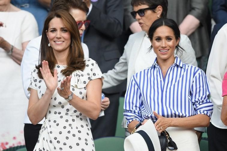 Trang phục của Meghan Markle tại Wimbledon 2018 hóa ra lại là ẩn ý lãng mạn giữa cô và Hoàng tử Harry - Ảnh 1.