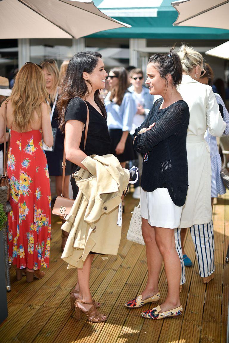 Trang phục của Meghan Markle tại Wimbledon 2018 hóa ra lại là ẩn ý lãng mạn giữa cô và Hoàng tử Harry - Ảnh 5.