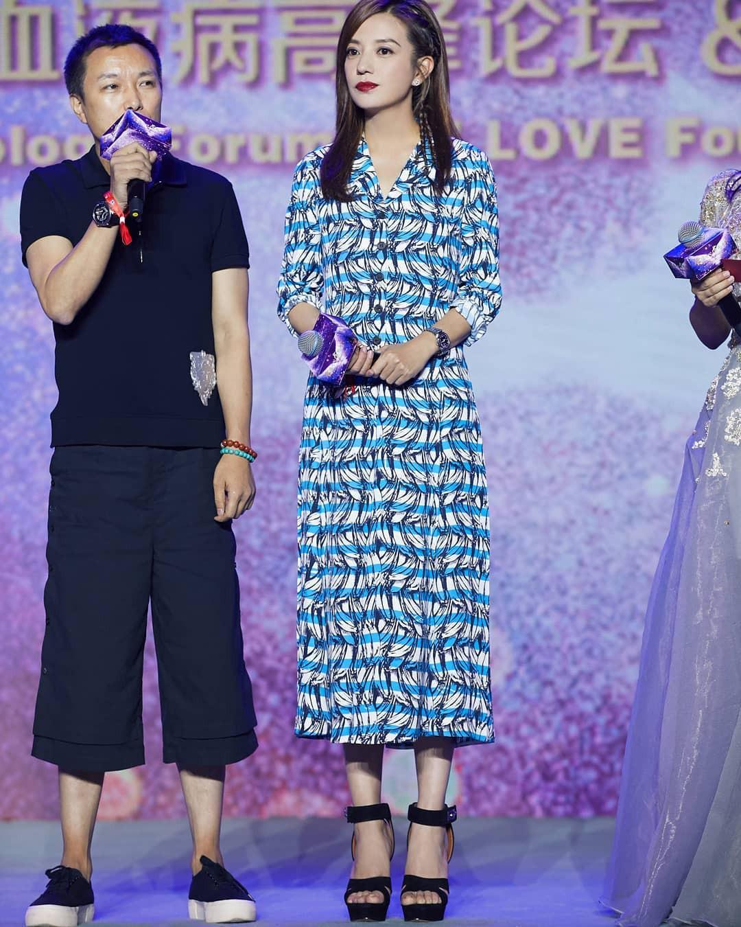 Lột xác hậu giảm cân, Triệu Vy lại khiến dân tình xao xuyến với style hack tuổi - Ảnh 10.