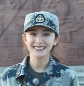 Lạm dụng botox và photoshop, Dương Mịch khiến dân tình hoảng hồn khi lộ nhan sắc thật tại show truyền hình - Ảnh 11.