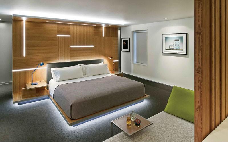 Có sự hỗ trợ của đèn led thì bộ giường ngủ đơn điệu của gia đình cũng trở nên thu hút đến bất ngờ - Ảnh 11.