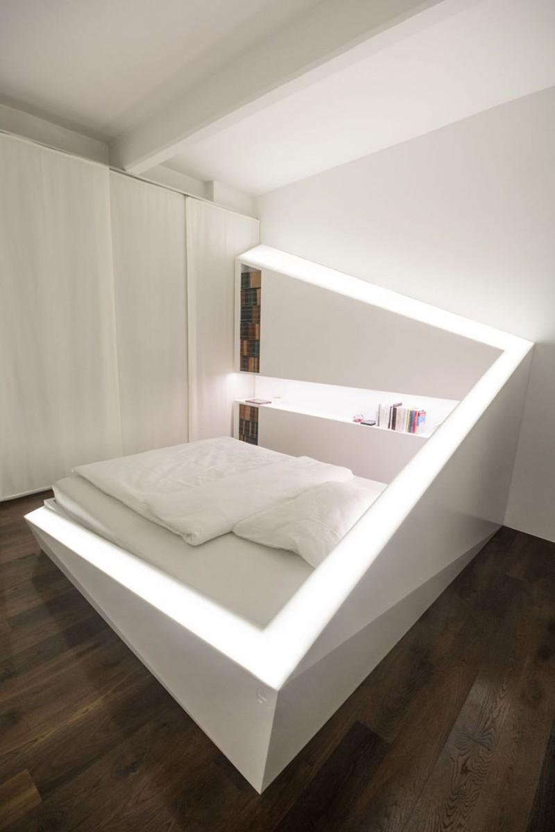 Có sự hỗ trợ của đèn led thì bộ giường ngủ đơn điệu của gia đình cũng trở nên thu hút đến bất ngờ - Ảnh 4.