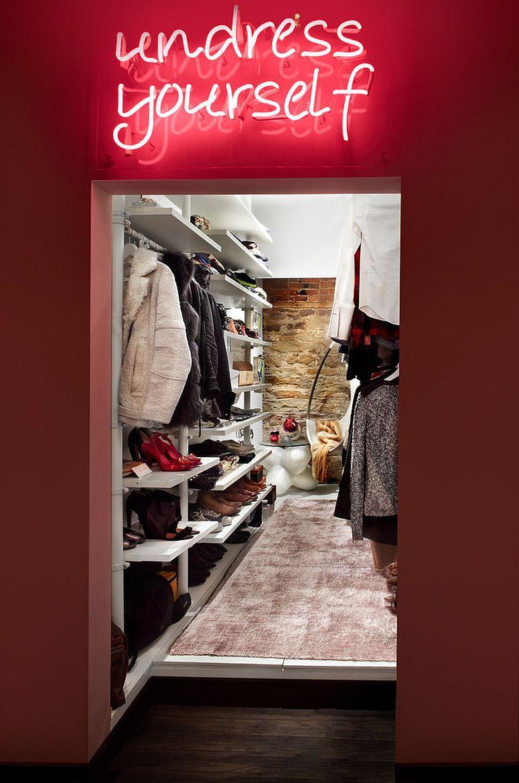 Những mẫu tủ quần áo không cửa nhìn sang, xịn bất chấp nhà rộng hay chật - Ảnh 10.