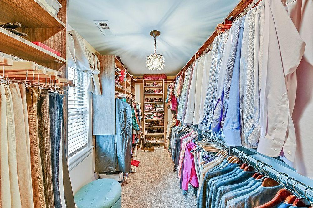 Những mẫu tủ quần áo không cửa nhìn sang, xịn bất chấp nhà rộng hay chật - Ảnh 6.