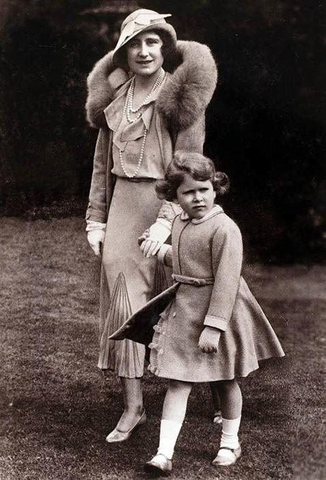Trước thềm sinh nhật mừng Hoàng tử George lên 5, công chúng tìm lại loạt ảnh hiếm thuở bé của thành viên Hoàng tộc và nhận ra điều thú vị - Ảnh 6.