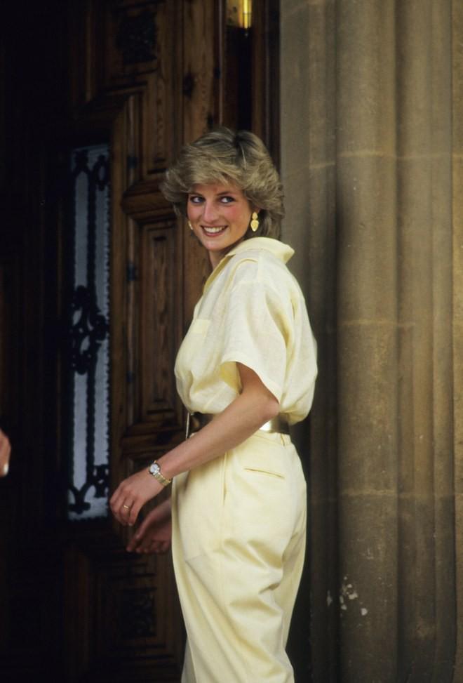 9 bộ cánh khẳng định độ chơi của Công nương Diana, đến gái trẻ bây giờ cũng còn lâu mới theo kịp - Ảnh 5.