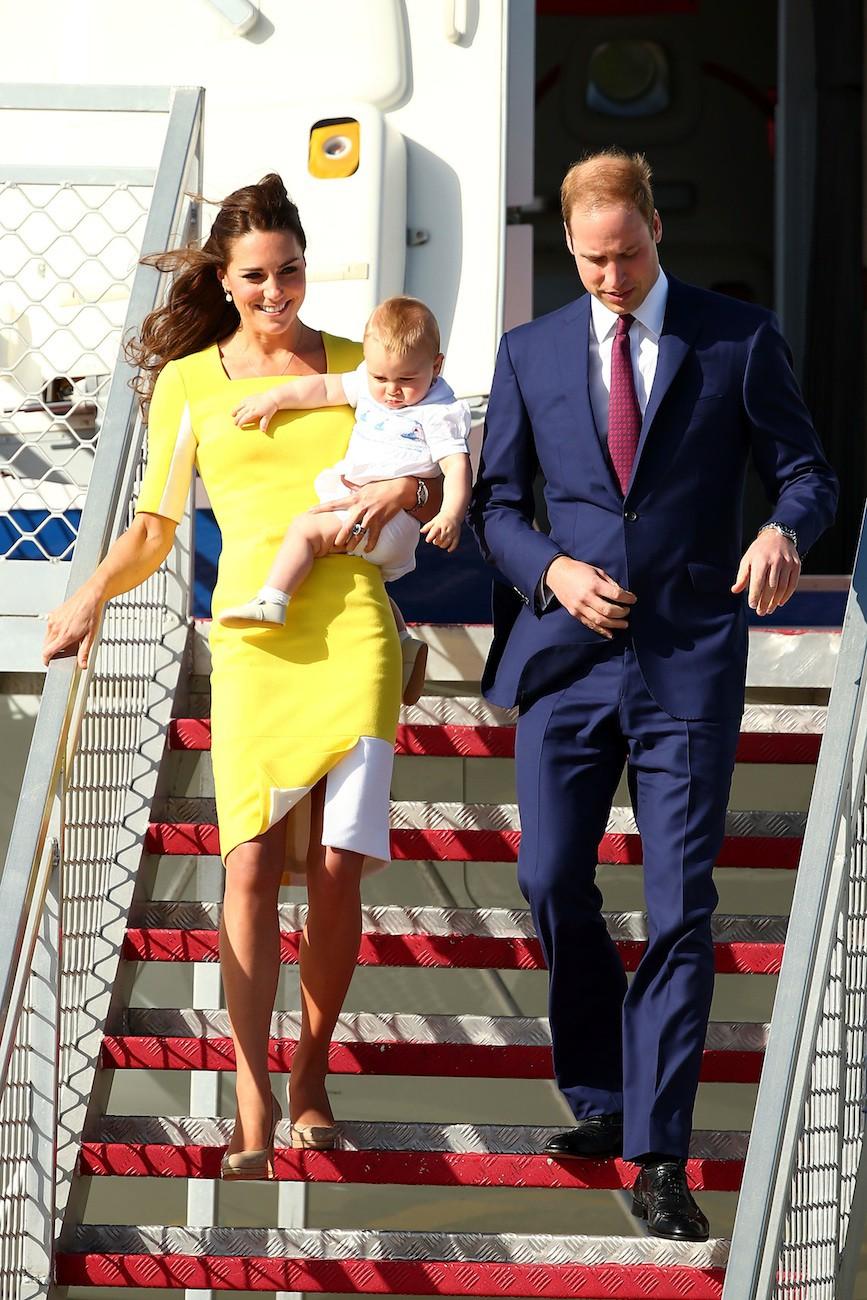 Mặc đẹp là thế, ai ngờ mẫu váy vàng rực rỡ này của Công nương Kate lại từng bị Hoàng tử William ví như 1 quả chuối - Ảnh 5.