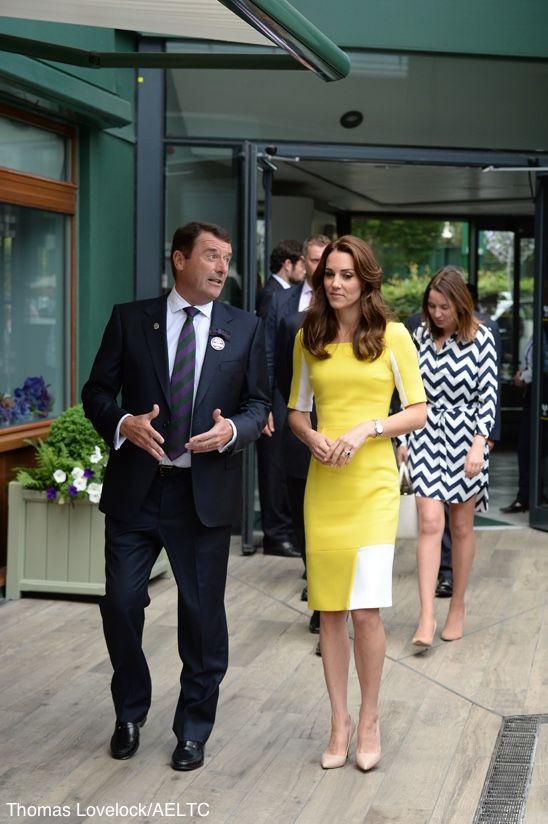 Mặc đẹp là thế, ai ngờ mẫu váy vàng rực rỡ này của Công nương Kate lại từng bị Hoàng tử William ví như 1 quả chuối - Ảnh 8.