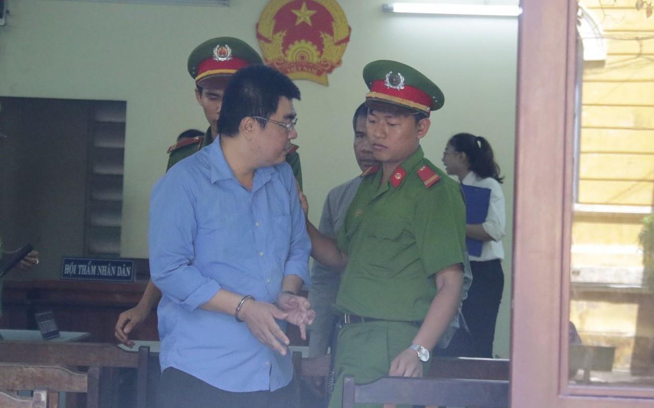 Bị vợ lăng mạ và đuổi ra khỏi nhà, cựu công an giết nữ Việt kiều Úc rồi tự tử