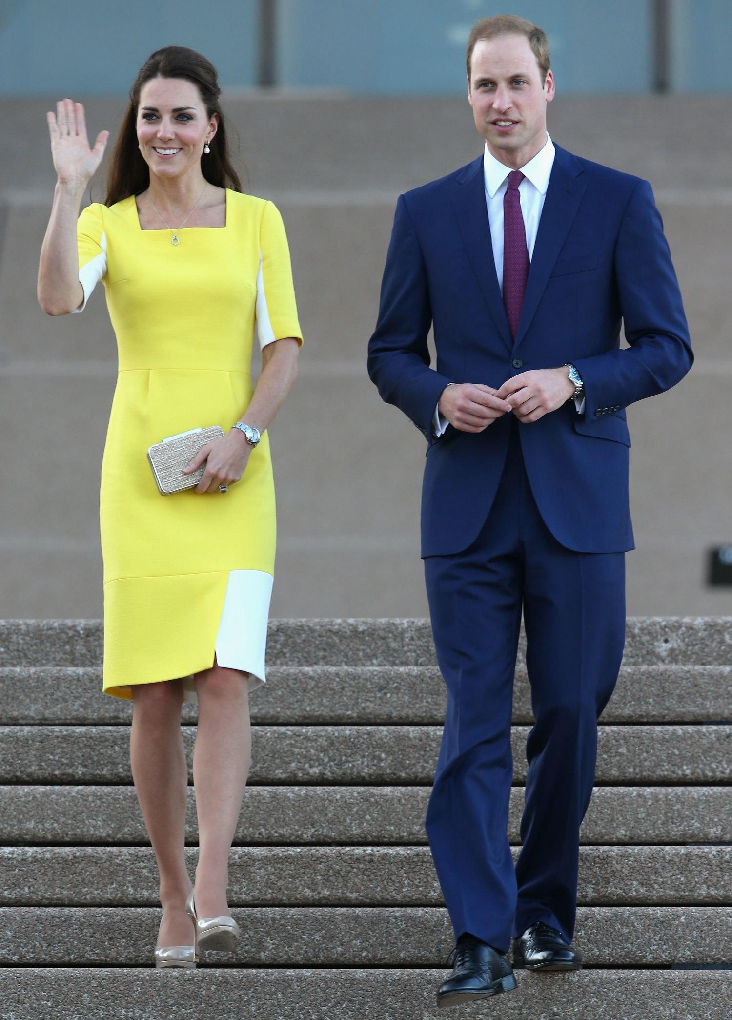 Mặc đẹp là thế, ai ngờ mẫu váy vàng rực rỡ này của Công nương Kate lại từng bị Hoàng tử William ví như 1 quả chuối - Ảnh 1.