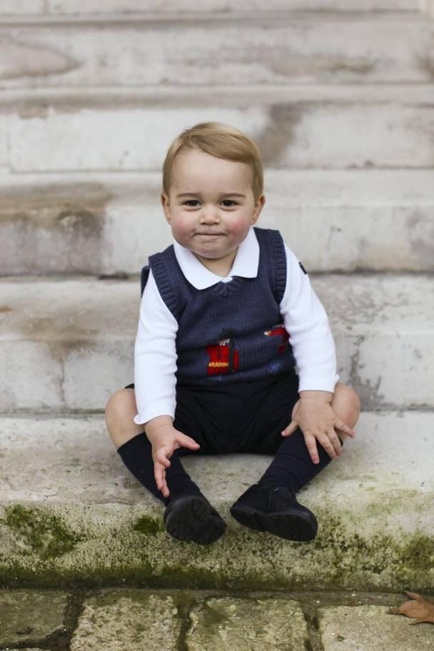 Hơn 40 bức ảnh ghi lại những khoảnh khắc cực đáng yêu cho thấy hành trình lớn lên của Hoàng tử George trong 5 năm đầu đời - Ảnh 7.