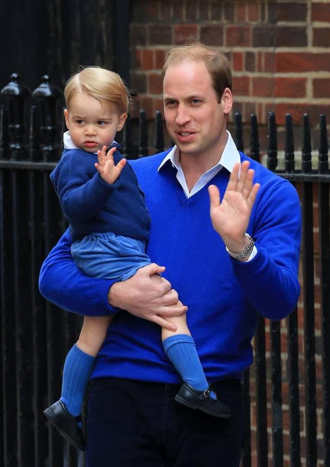 Hơn 40 bức ảnh ghi lại những khoảnh khắc cực đáng yêu cho thấy hành trình lớn lên của Hoàng tử George trong 5 năm đầu đời - Ảnh 9.