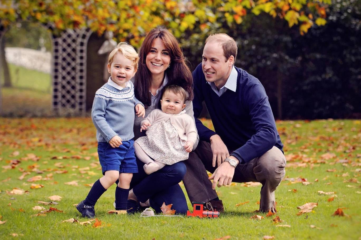 Hơn 40 bức ảnh ghi lại những khoảnh khắc cực đáng yêu cho thấy hành trình lớn lên của Hoàng tử George trong 5 năm đầu đời - Ảnh 14.